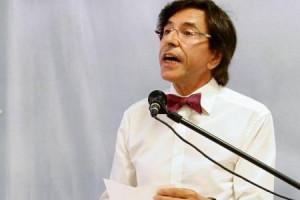 Le Prof De Néerlandais Delio Di Rupo Premier Ministre Est picture