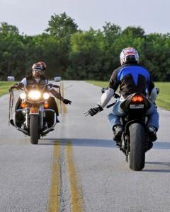 Comprimento de motociclistas na estrada