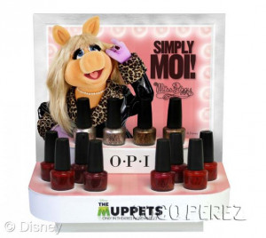 Miss Piggy With And Singer