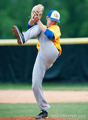 Scotty McCreery Pitched Well But Took A Blow To The Chin Against East ...