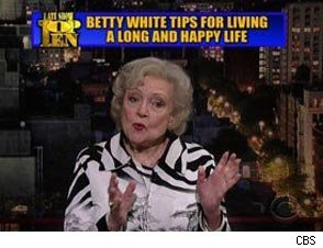 Betty White Reveals Tips for Living a Happy Life on 'Late Show' (Video ...