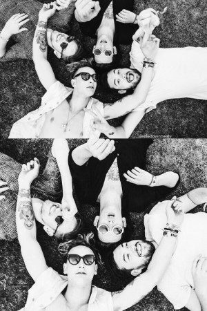 1k the 1975 ross macdonald george daniel Matt Healy adam hann 1975