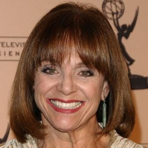 Valerie Harper Biography