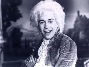 Wolfgang Amadeus Mozart (Tom Hulce)