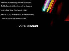 Una de las fotos mas tristes... (John Lennon firmándole un autógrafo ...