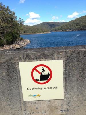 So many dam rules... ( i.imgur.com )