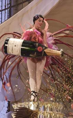 Great Gatsby & Moët Champagne Marketing Coup: The Best Publicity Is ...