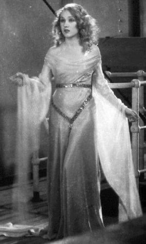 ... Whatever happened to Fay Wray, that delicate satin draped frame