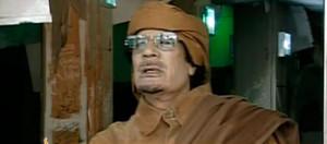 Muammar al Gaddafi llam al pueblo a organizarse ybatir la