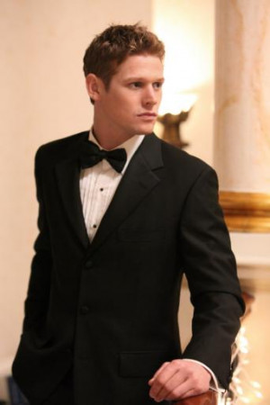 Zach Roerig suits up for an Original ball on Vampire Diaries Season 3!