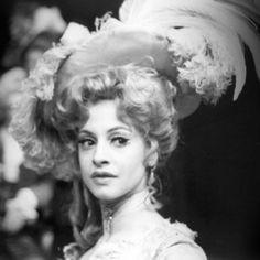 Young, fabulous Patti Lupone