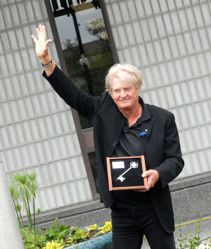 Tom Cochrane: Another celeb convert to the Kings…