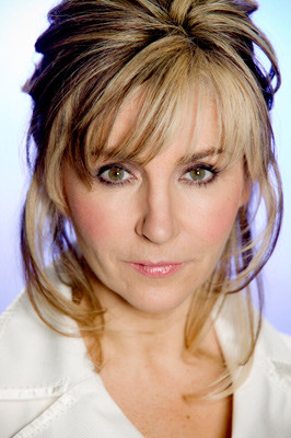 Thread: Classify English classical/opera singer Lesley Garrett