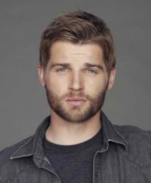 Picture of mike vogel 8135
