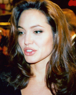 Angelina Jolie Body Measurements, Diet plan and Workout Info
