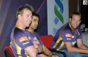Brett Lee, Gautam Gambhir and Jacques Kallis field some bouncer ...