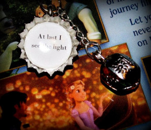 Tangled Rapunzel and Flynn 'At last I see the light' mini bottle cap ...