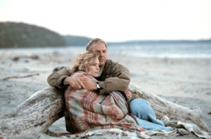 Kevin Costner and Robin Wright in Message in a Bottle (1999).