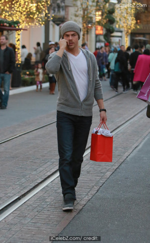 Dancing with the Stars' Derek Hough visits the Beats by Dre Pop Up ...