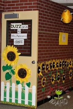 Bumble Bee Classroom Door Decoration » Meet The Teacher Bulletin ...