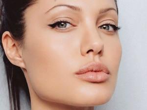 Makeup+Tips+And+Tricks+For+Applying+Eyeliner.jpg