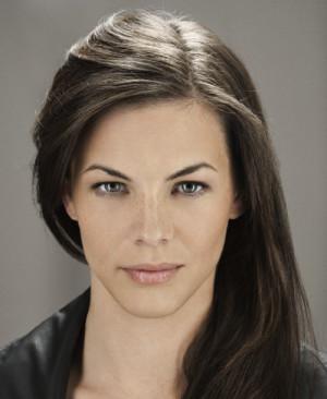 Haley Webb est une actrice qui incarnera Melle Blake dans la saison 3 ...