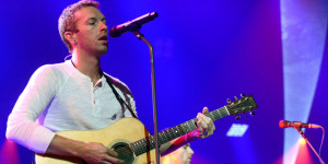 CHRIS-MARTIN-COLDPLAY-facebook.jpg