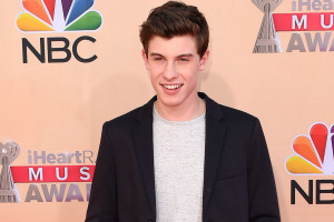Shawn Mendes Talks 'Handwritten' Album, Opening for Taylor Swift ...