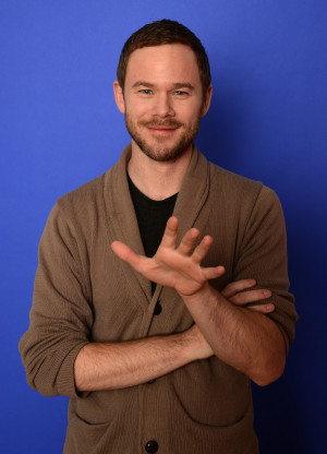 Thread: Classify Canadian Actor Aaron Ashmore