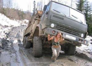 VH 850strong-girl-tow-truck