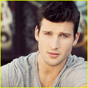 Parker Young Opens Up About Ryan & Tessa's Future On 'Suburgatory ...