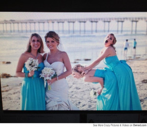 Photobombing your sisters Wedding photo, like a boss!