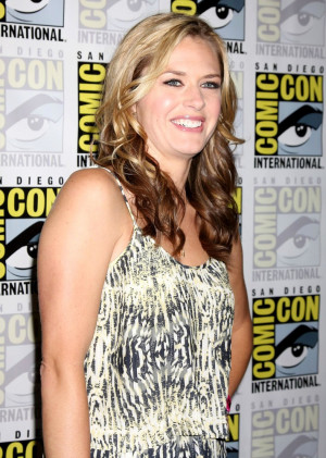 Maggie Lawson Pictures And