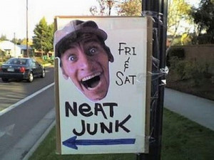 These Funny Garage Sale Signs Will Make Your Day (20 Photos)