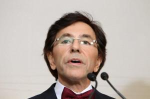 Elio Di Rupo Le Nouveau Premier Ministre Belge Closonisopixsipa ...
