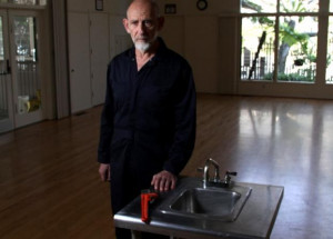 Leonard Susskind Explains the Nature of Back Holes