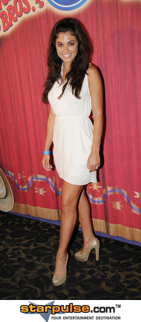 Lindsay Hartley Pictures & Photos