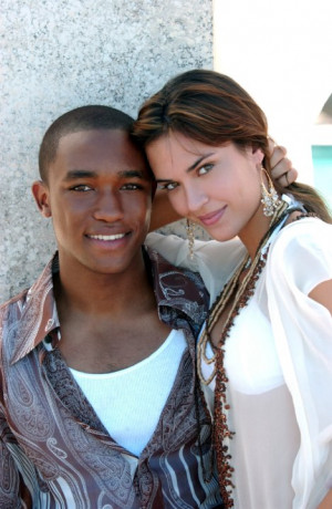 Lee Thompson Young and Odette Annable at event of South Beach (2006)