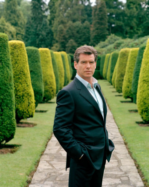 No podía faltar el Agente 007, James Bond, interpretado por el actor ...