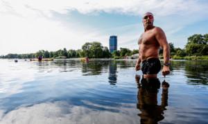 Open-water-swimmer-Colin--008.jpg
