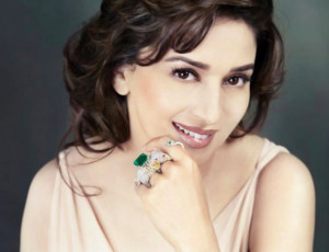 Thread: Madhuri Dixit in Emeralds Jewelry Collection