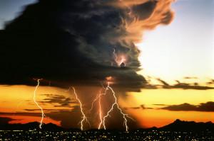 Rayos Sorprendentes - Fuerzas de la Naturaleza - Lightnings