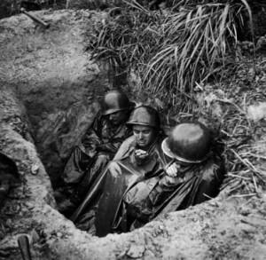 world war 2 photos us army okinawa foxhole okinawa foxhole