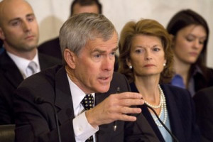 Jeff Bingaman > Online statistics and voting results