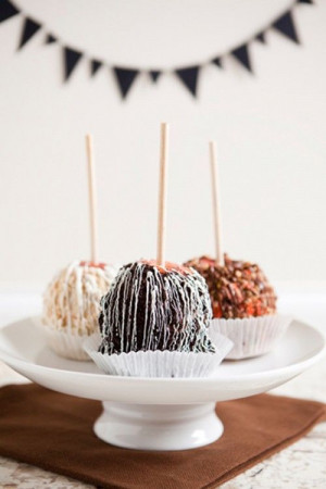 caramel apples: Halloween Desserts, Caramelappl, Candy Apples, Apples ...