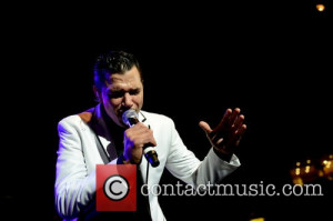 El DeBarge - Shots of a variety of stars as they attend and perform at ...