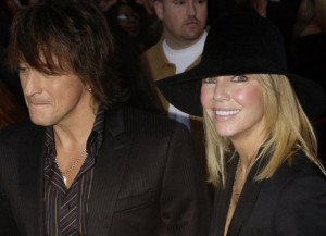 HEATHER LOCKLEAR AND RICHIE SAMBORA ARRIVE FOR AMERICAN MUSIC AWARDS