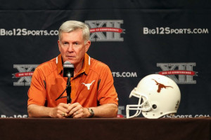 Texas coach Mack Brown wants college football players to be paid