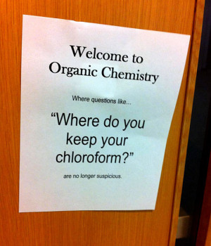 funny-picture-college-sign-chemistry-door