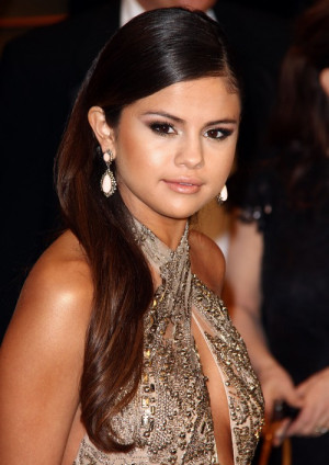 Selena Gomez Sloppy Drunk and Slurring At Vanity Fair Oscar Party